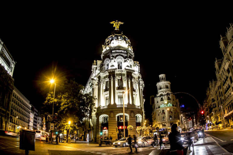 Imagen Edificio Metrópolis en la calle Gran Vía de Madrid centro. Ciceron Plus