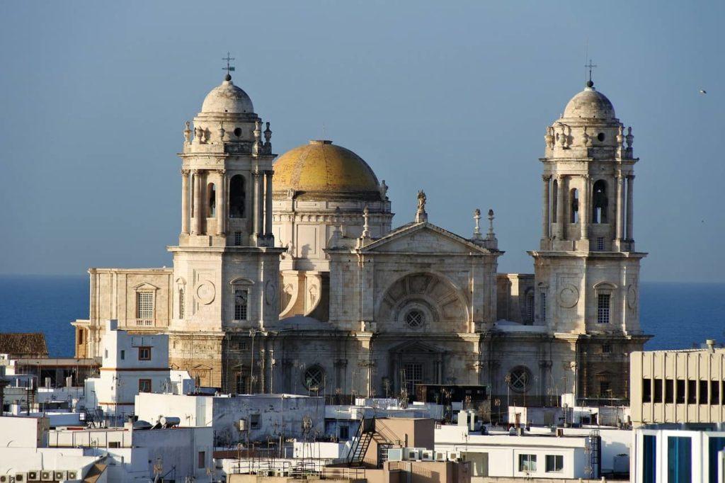 Imagen Las ciudades más bonitas de España: la Catedral de Cádiz