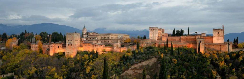 Imagen de Las ciudades más bonitas de España: La Alhambra de Granada