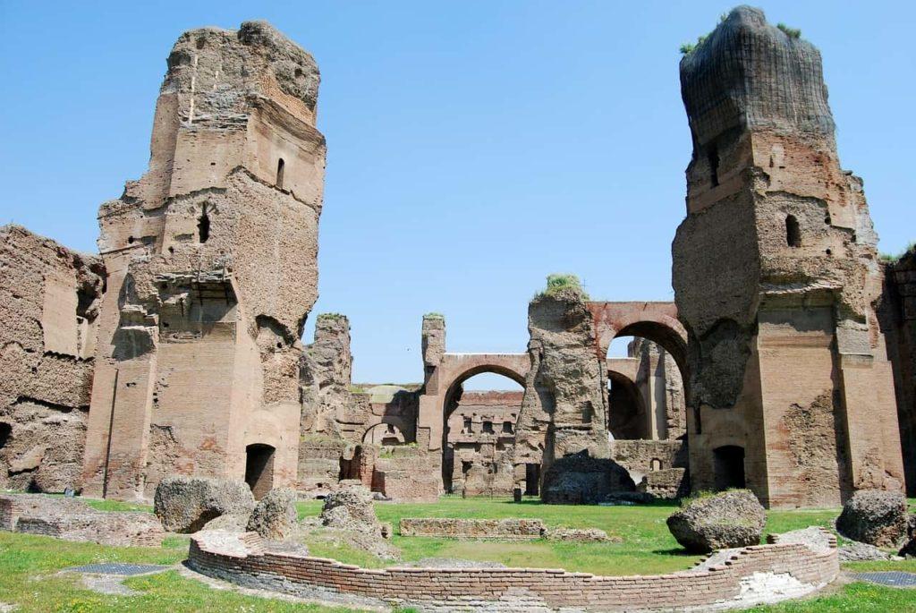 Imagen Termas de Caracalla en Roma Italia. Cicerone Plus