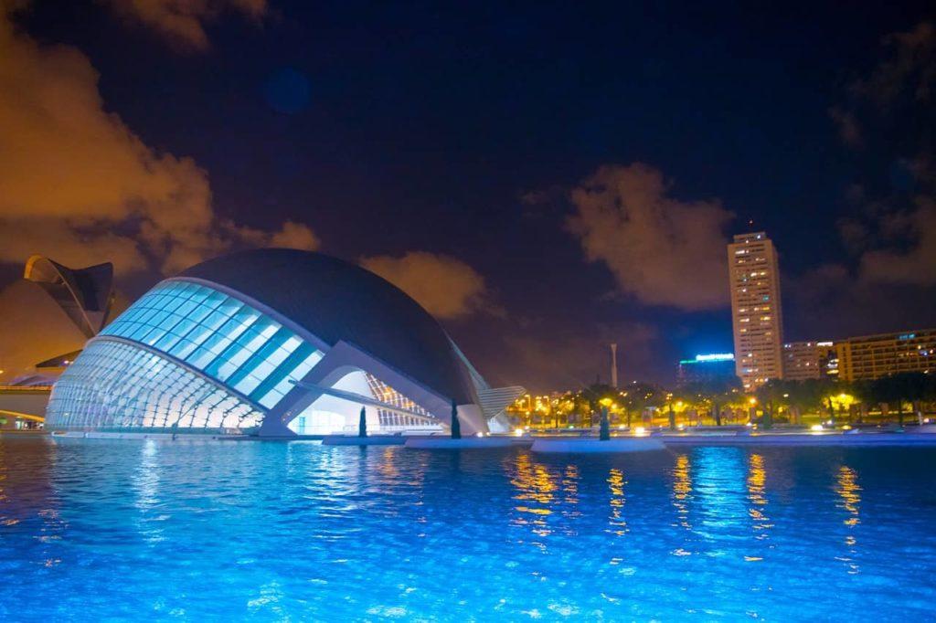 Imagen Ciudades de las Artes y las Ciencias en Valencia España. Cicerone Plus