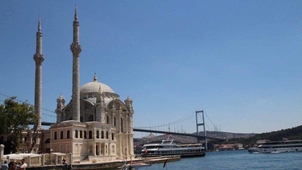 Imagen Mezquita de Ortaköy de Estambul en Turquía. Cicerone Plus